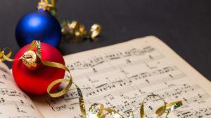 Noteark og julepynt